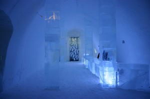 Noites Únicas no Hotel de Gelo da Lapónia. Autor: St Creative Commons Attribution ShareAlike 3.0phan Herz sob licença