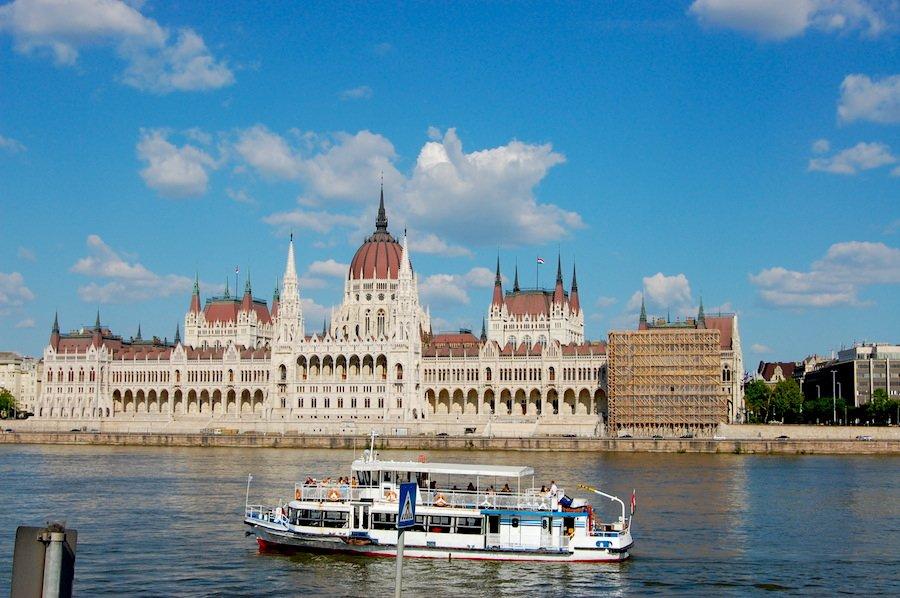Visitas gratuitas ao Parlamento da Hungria