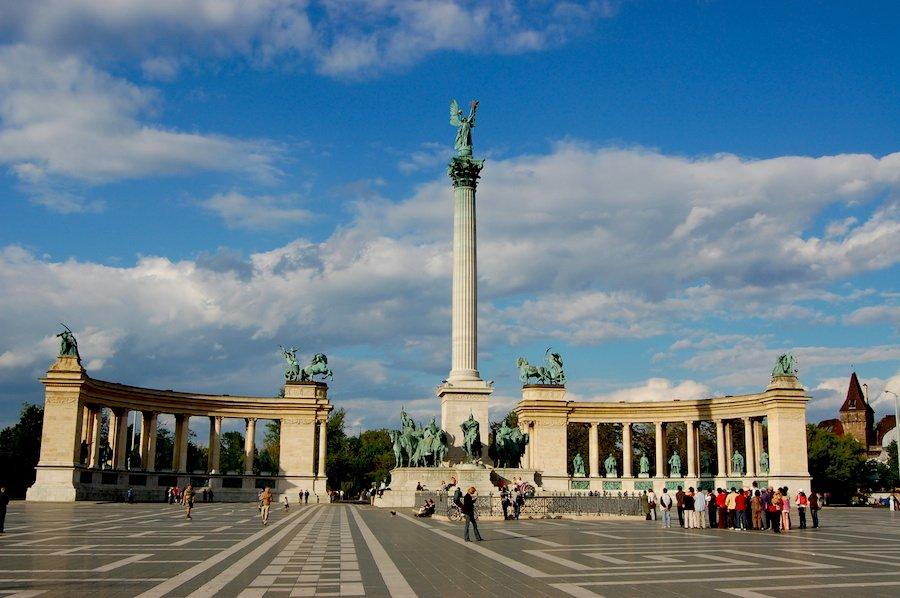Visita ao lado de Peste, na capital da Hungria