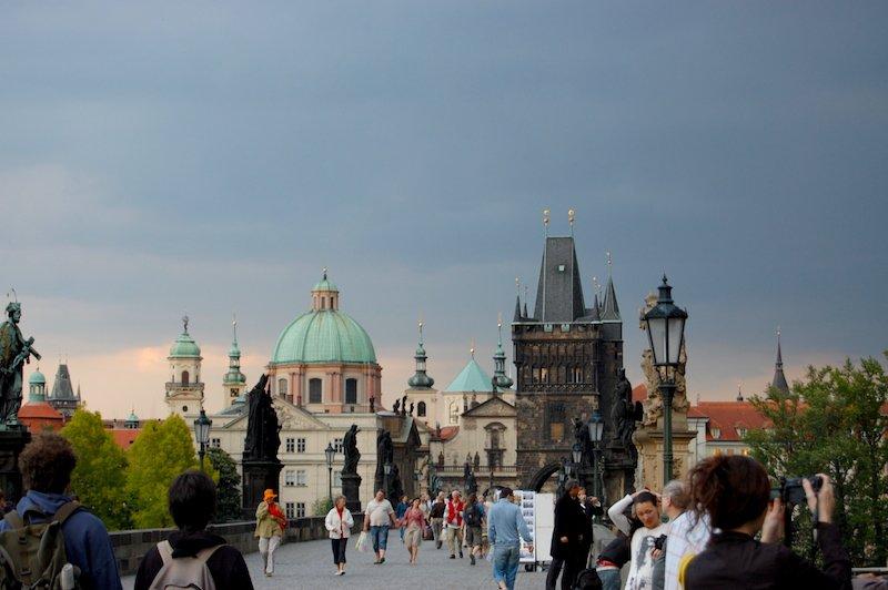 Vistas da Ponte Carlos em Praga